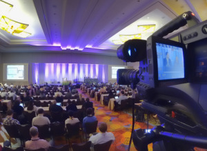 wide-shot-Webcasting